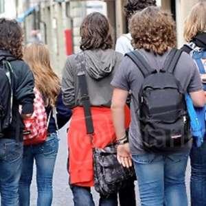 Gli attivisti della salute per salvaguardare i più giovani